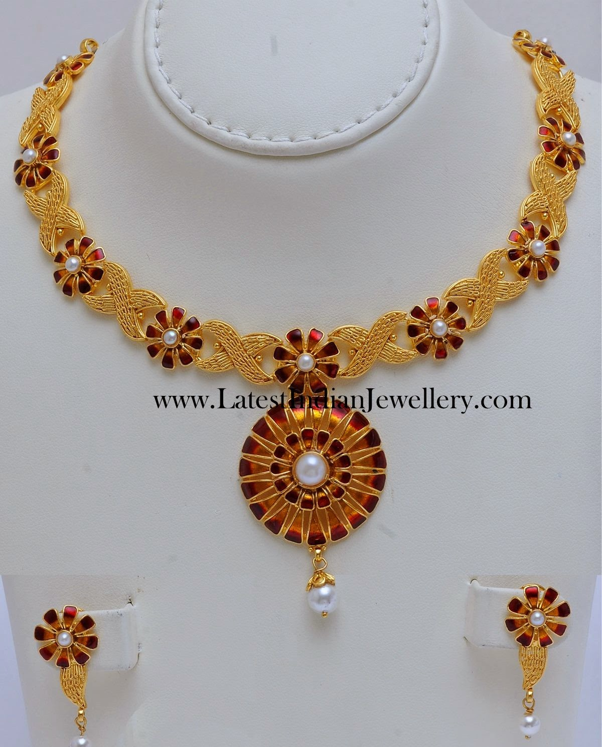 Unique Enamel Gold Necklace Set