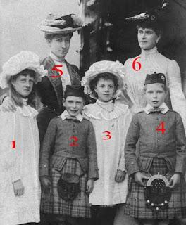 La princesse de Galles, la duchesse de Fife et leurs enfants