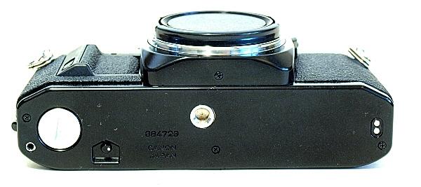 Canon AV-1, Bottom
