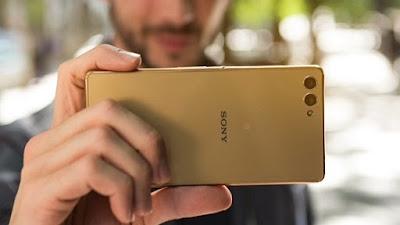 Bộ đôi camera kép khủng nhất hiện nay thuộc về Sony Xperia M Ultra