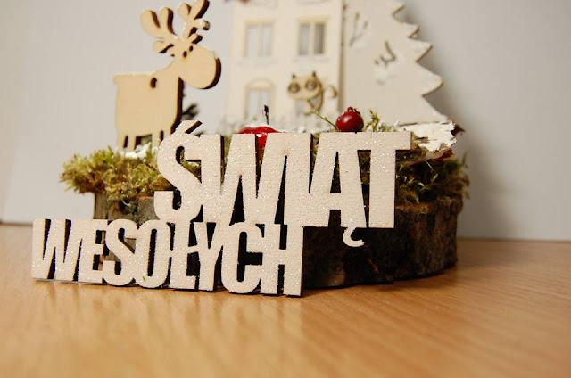 świąteczny napis ze sklejki