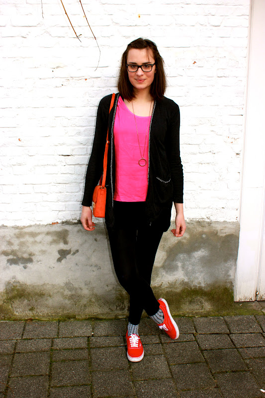 Lonette: My Outfit // Red Vans