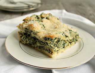 Light Spinach Lasagna with Cauliflower Sauce