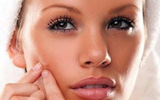 مشكلة حبوب الوجه والبشرة والبثور السوداء وكيفية علاجها أو التخلص منها بأكثر من طريقة فعالة ومجربة