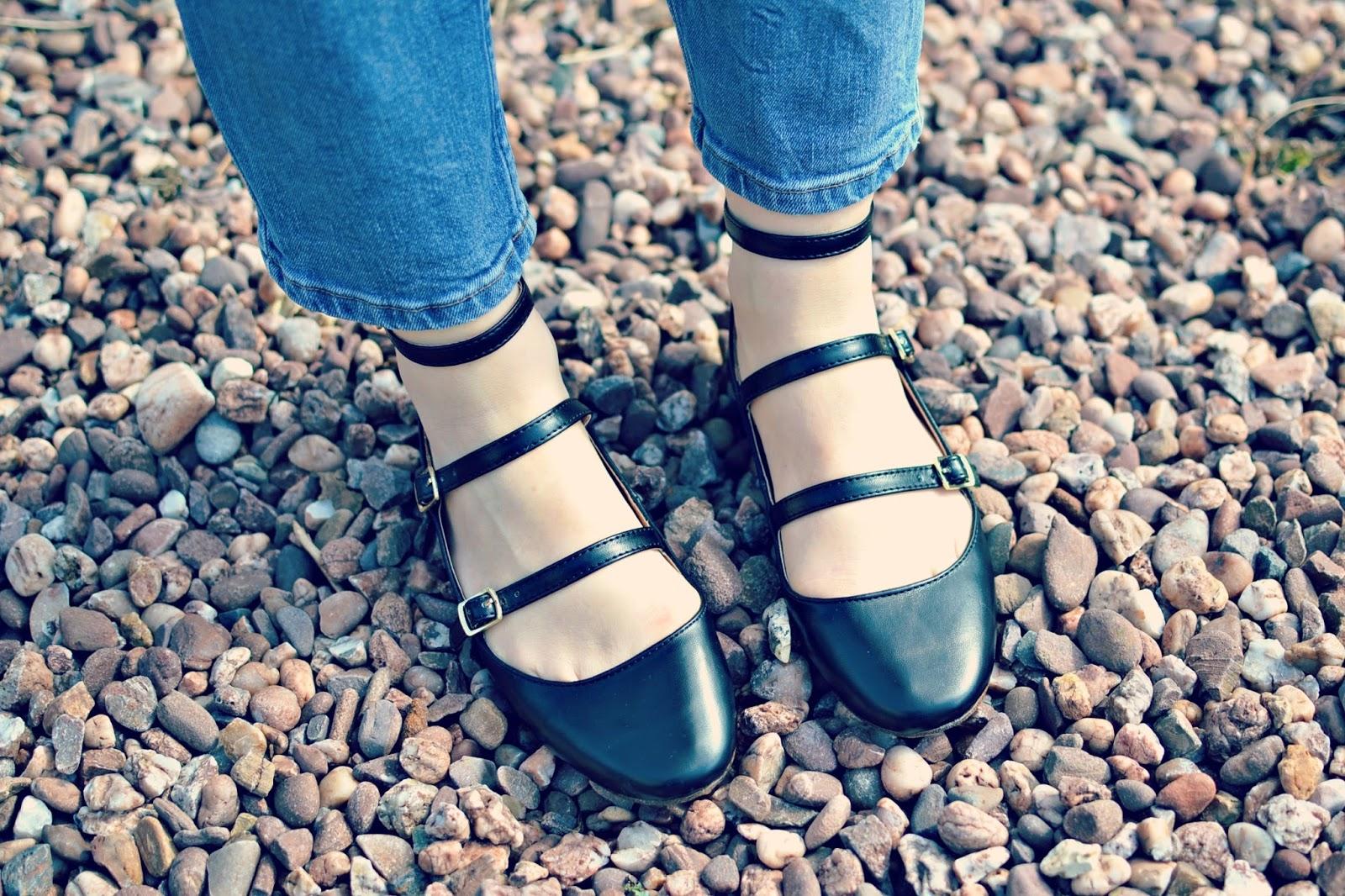 capsule wardrobe new in fleur topshop shoes