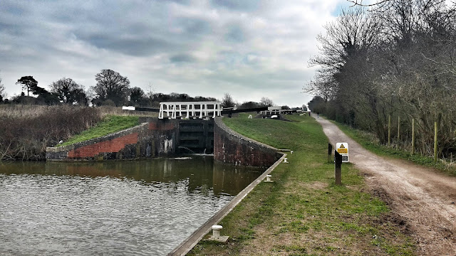 Project 366 2016 day 82 - Caen Hill Locks, Devizes  // 76sunflowers