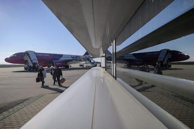 Wizz Air, gazdaság, légi közlekedés, Románia, Tarom, Blue Air, Ryanair