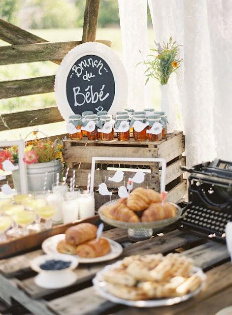 Bonita mesa de dulces romántica de estilo francés