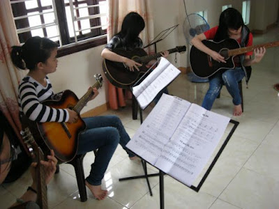 khoa hoc dan guitar