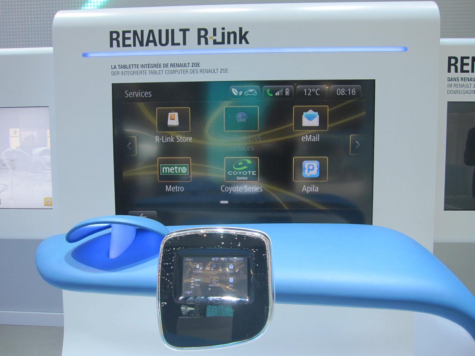 voiture communicante la voiture connect e devient une r alit au salon de gen ve. Black Bedroom Furniture Sets. Home Design Ideas