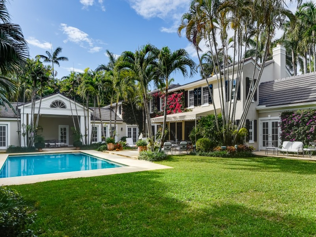 A Classic Palm Beach Home For Sale The Glam Pad