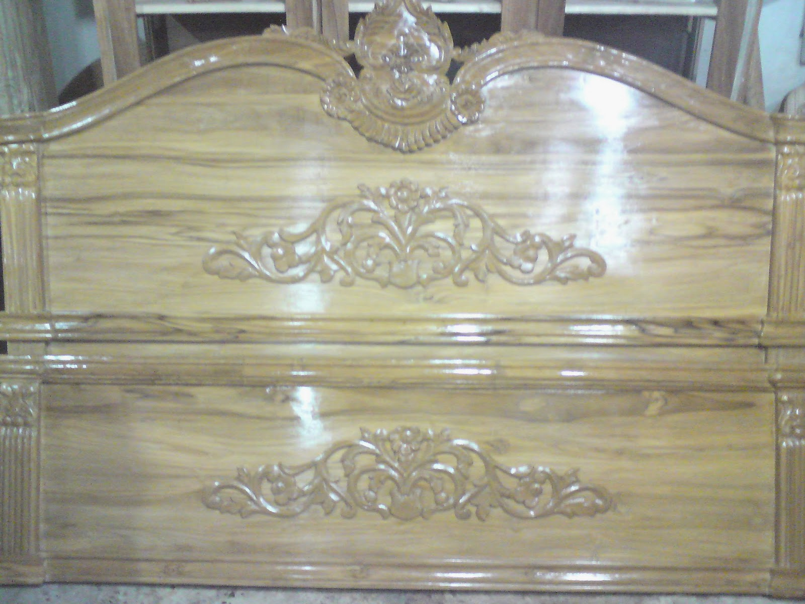 Furniture Box Khat