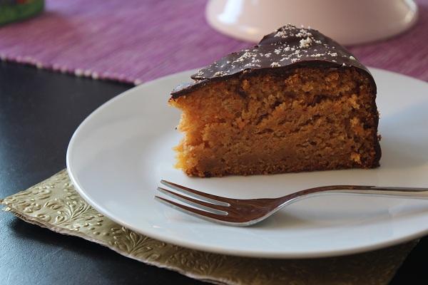 kleine kochecke ostern karottenkuchen mit orangen schoko glasur. Black Bedroom Furniture Sets. Home Design Ideas