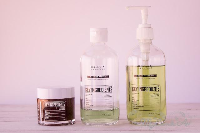 Limpieza facial con Detox Skinfood: agua micelar, gel limpiador y exfoliante.