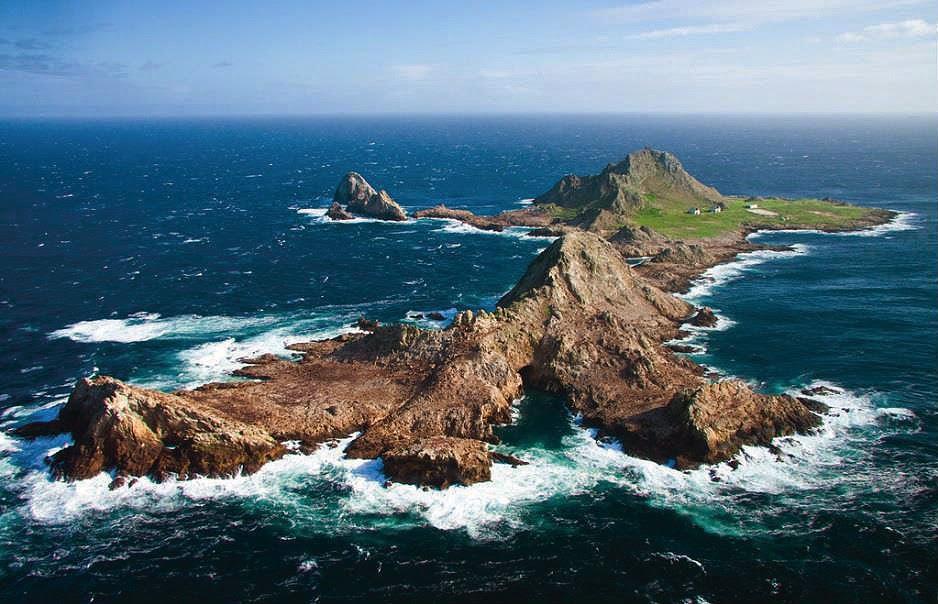 8 Pulau Paling Berbahaya di Dunia