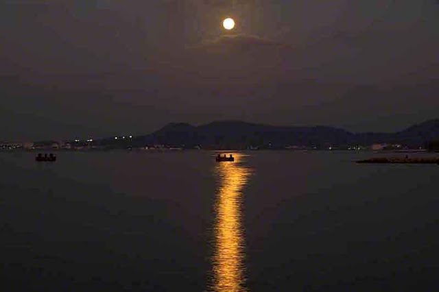 moonset, water, reflection, mountains,Okinawa