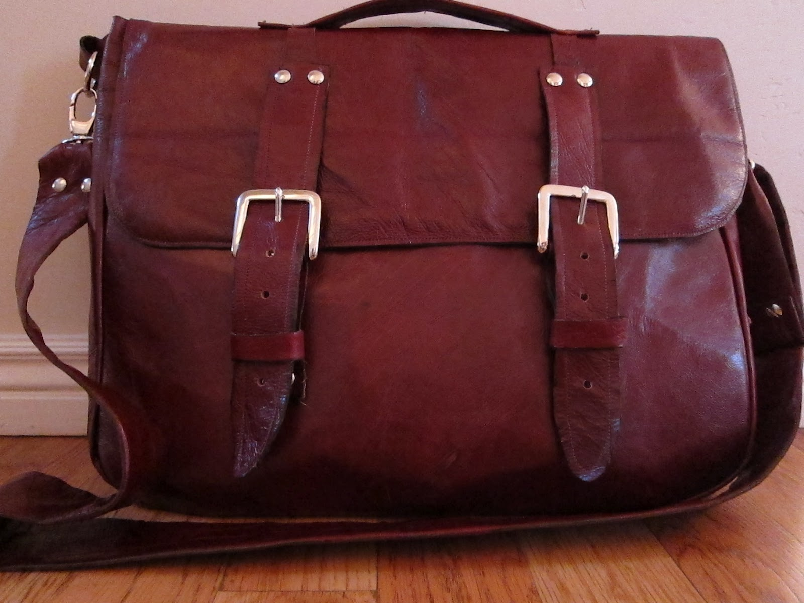 How Do You Fix A Hole In Leather Sofa Children S Set It Yourself Divas Diy Messenger Bag For Men