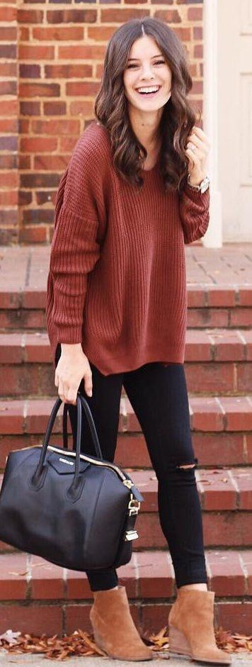 what to wear with a knit sweater : bag + rips + boots