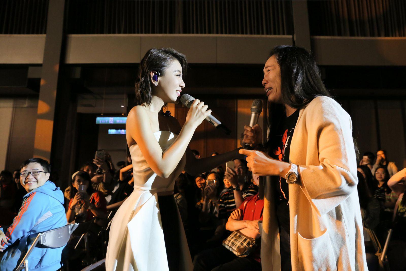 丁噹高雄演唱會飆唱臺語歌 要追求者「好膽你就來」 - WoWoNews