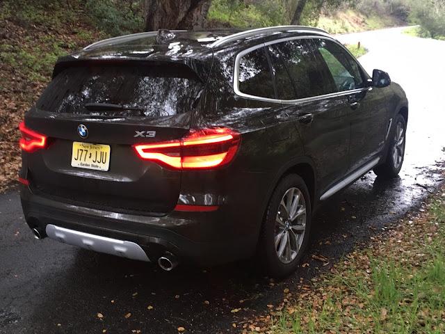Rear 3/4 view of 2018 BMW X3 xDrive30i