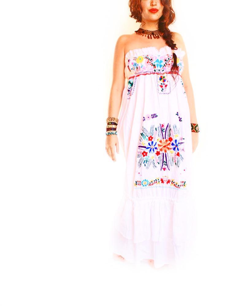 Aida coronado october 2012 for Dresses for mexico wedding