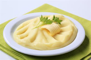 Garlic Mashed Potatoes (Sarimsakli Patates Puresi)