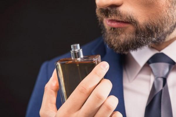 5 Pilihan Parfum Khusus Pria untuk Makin Menawan di Tahun 2019