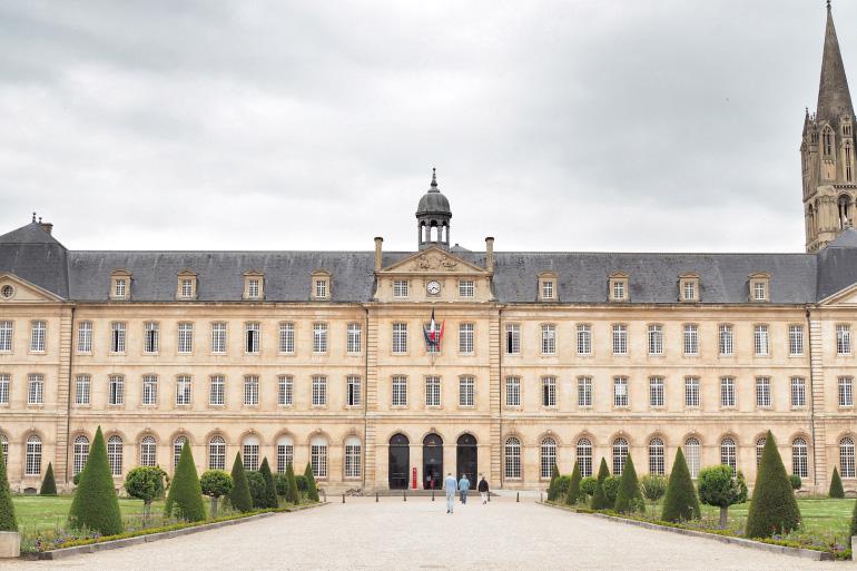 Façade de l'abbaye aux Hommes de la ville de Caen