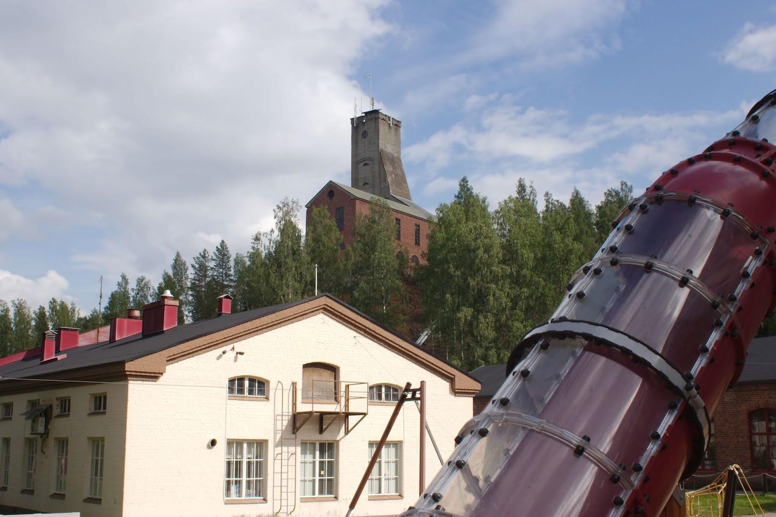 vanhaa ja uutta yhdessä kaivosalueella