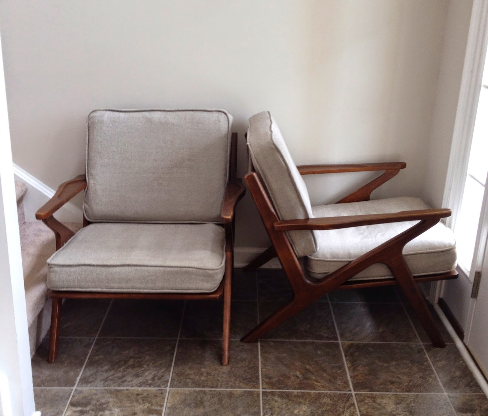 Places To Borrow Tables And Chairs Stand For Swing Chair Restlessoasis A Tale Of Two I 39m Still Here