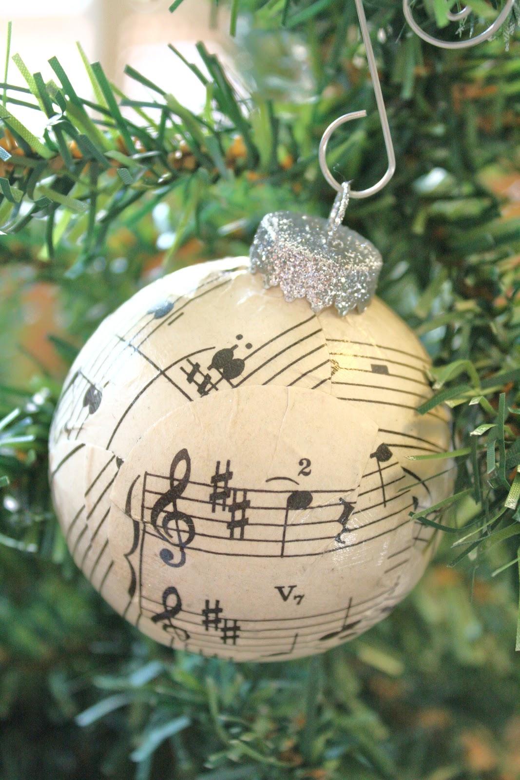 sheet music ornaments