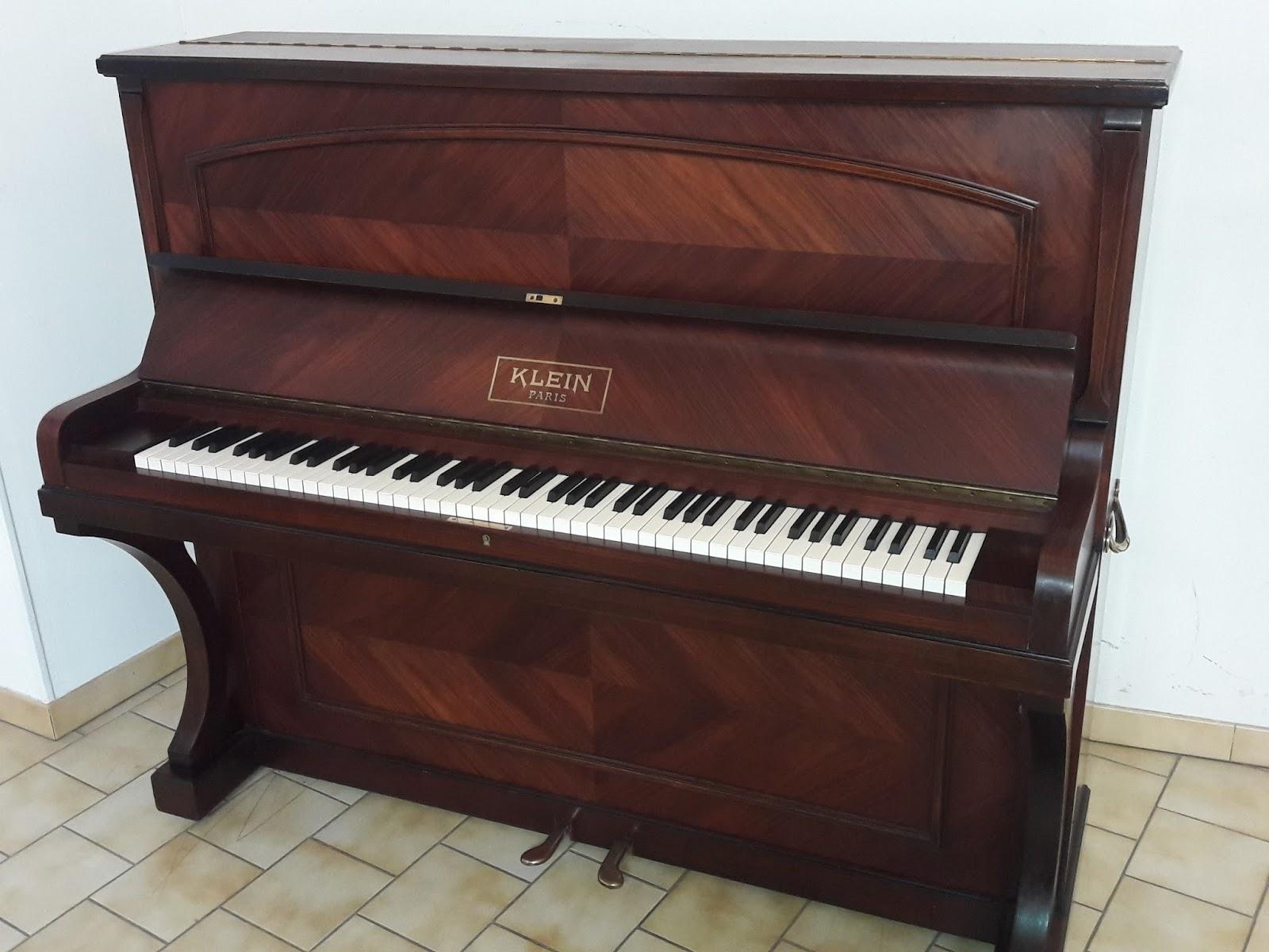 france pianos le blog du piano piano droit d 39 occasion klein restaur vendre. Black Bedroom Furniture Sets. Home Design Ideas