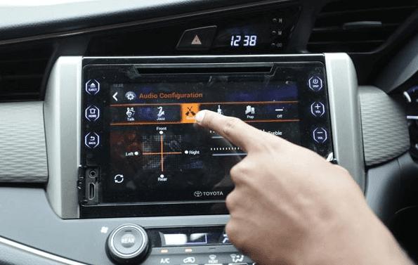 Mobil Toyota Kijang Innova baru kian tampak mewah plus canggihnya sistem audio di dalamnya. Tapi apa perlu kita masih harus melakukan pembenahan untuk ini
