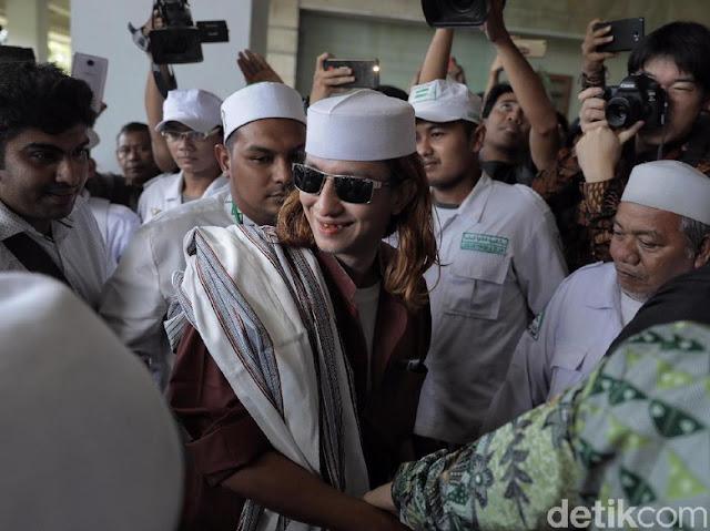 Soal 'Jokowi Haid', Timses Minta Habib Bahar bin Smith Ditangkap!