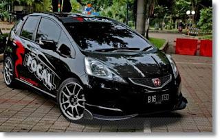 modifikasi mobil honda jazz hitam