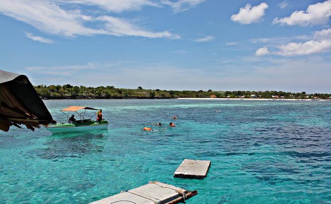 Xvlor.com Tanjung Bira Beach is perfect coast to watch barracuda, sunfish and mantas