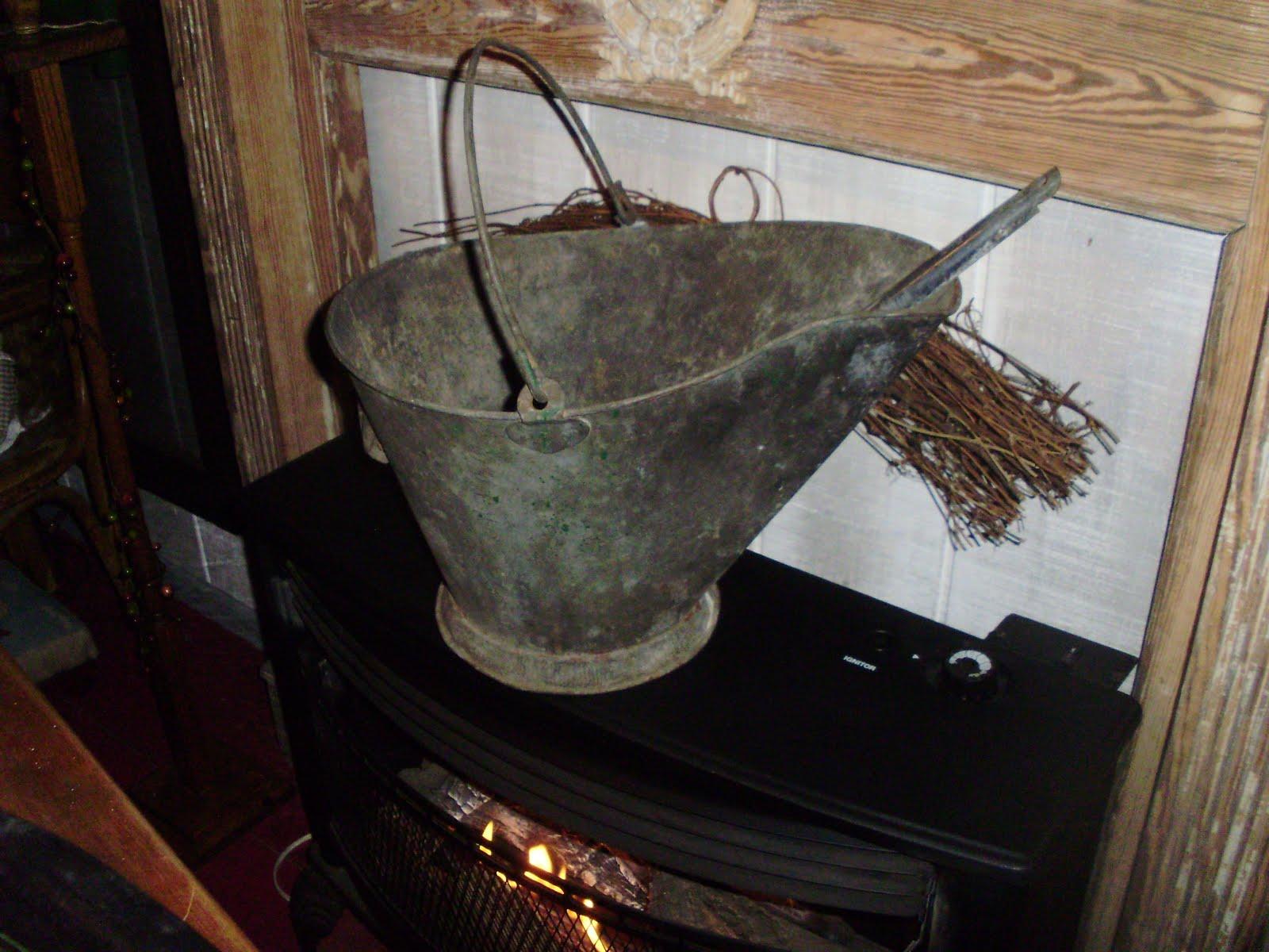 Log Cabin Antiques Amp Gifts Ash Bucket Coal Hod