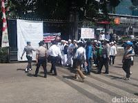 Puspen TNI Ngamuk di Twitter, Semprot Massa Pendukung Rizieq Shihab. Begini Lantarannya...!