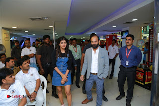 Actress Hebah Patel with Nanna Nenu Naa Boyfriends team at S.V.M Mall  0004.jpg