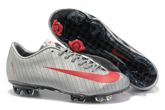 huge discount 56ce8 8f4c5 Nike Mercurial Vapor Superfly III FG - Cristiano Ronaldo s Cleats  Zebra-stripe Red