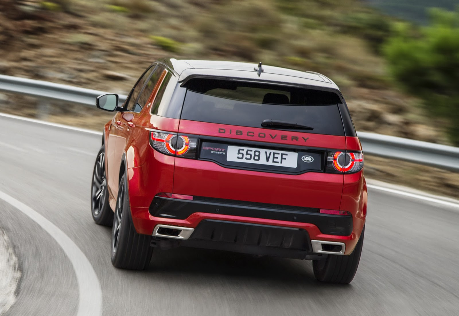 land rover discovery sport hse dynamic lux joins the range. Black Bedroom Furniture Sets. Home Design Ideas