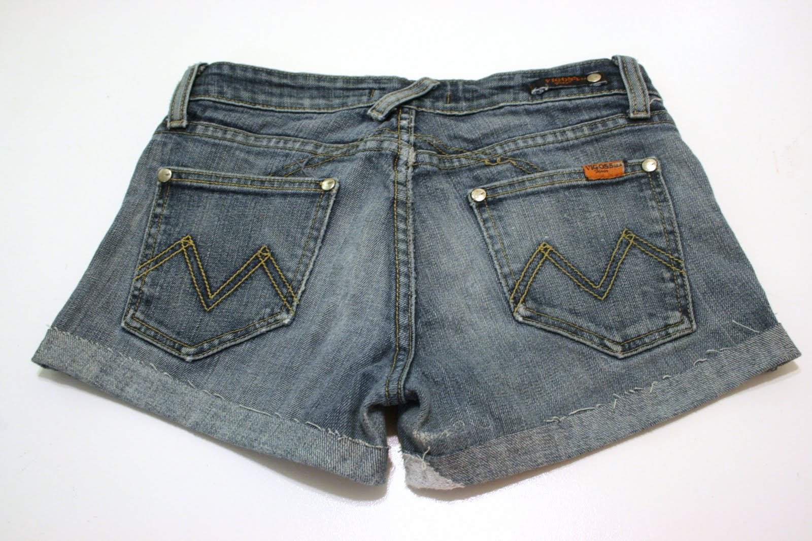 This summer's DIY cut-off jeans shorts--Tutorial! / Create ...