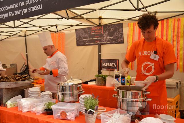 Program Europy na widelcu we Wrocławiu. Festiwal kilinarny na wrocławkim rynku. Bloggerzy gotują na rynku we Wrocławiu