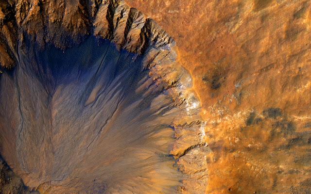 تفاصيل عن حفرة Sirenum