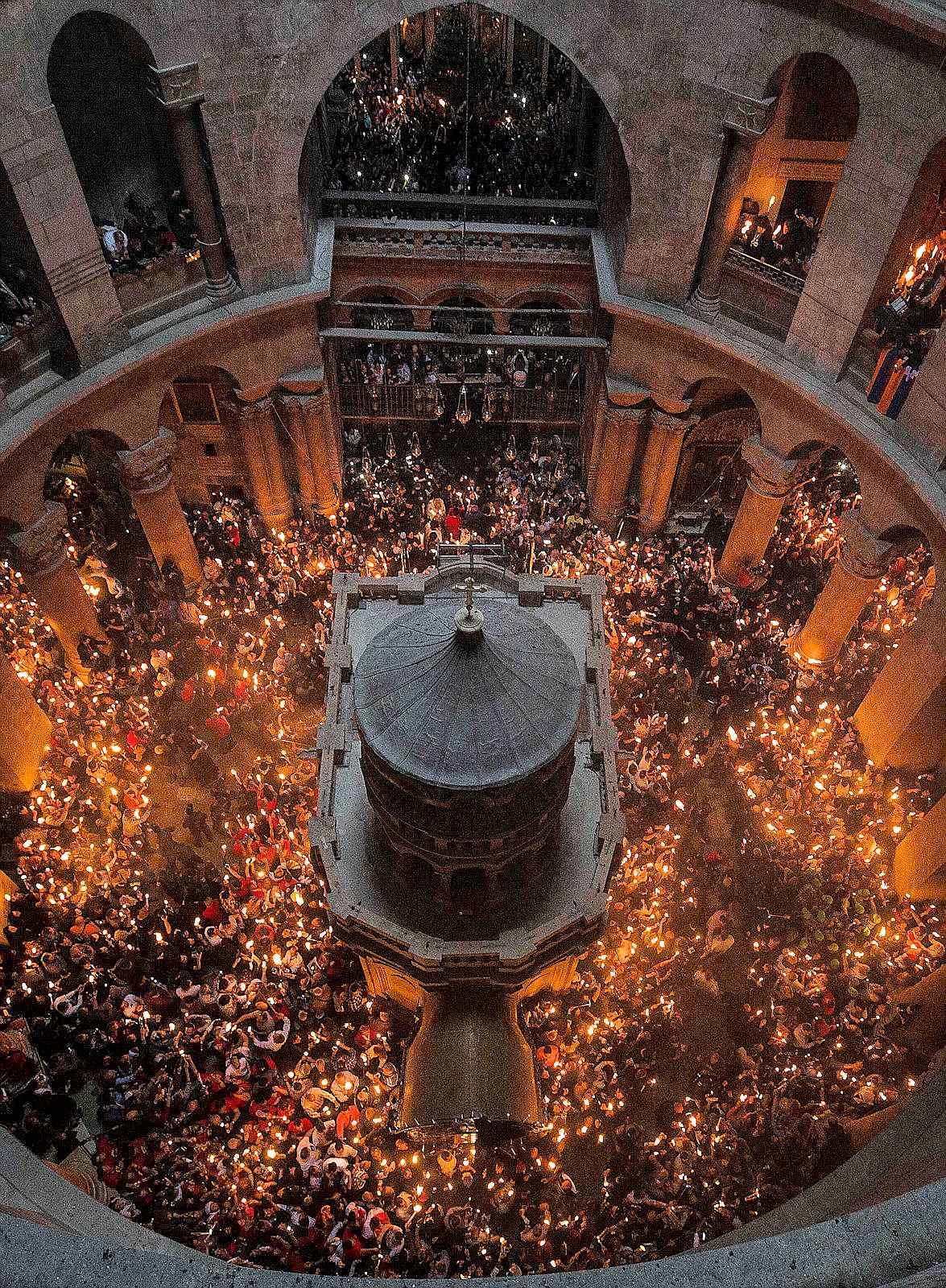 fa473d894 Páscoa de Ressurreição em torno do Santo Sepulcro após a restauração