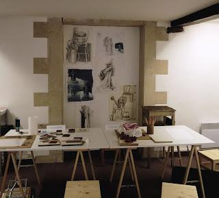 Cours de dessin et couleur Angers, atelier créatif du livre, linogravure, modelage, enfant ado, adulte