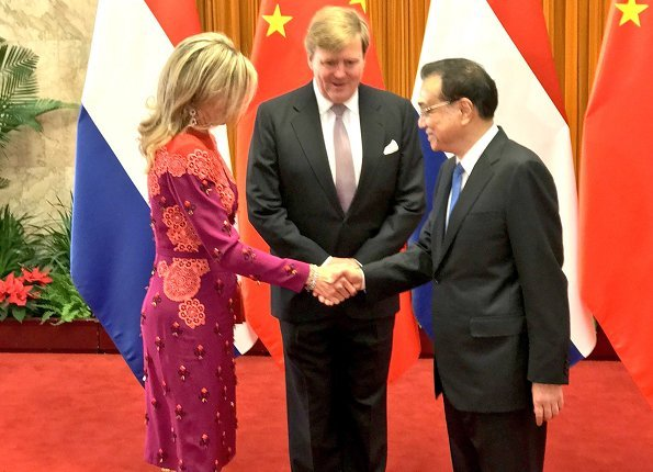 Queen Máxima wore a new Claes Iversen dress. China's President.