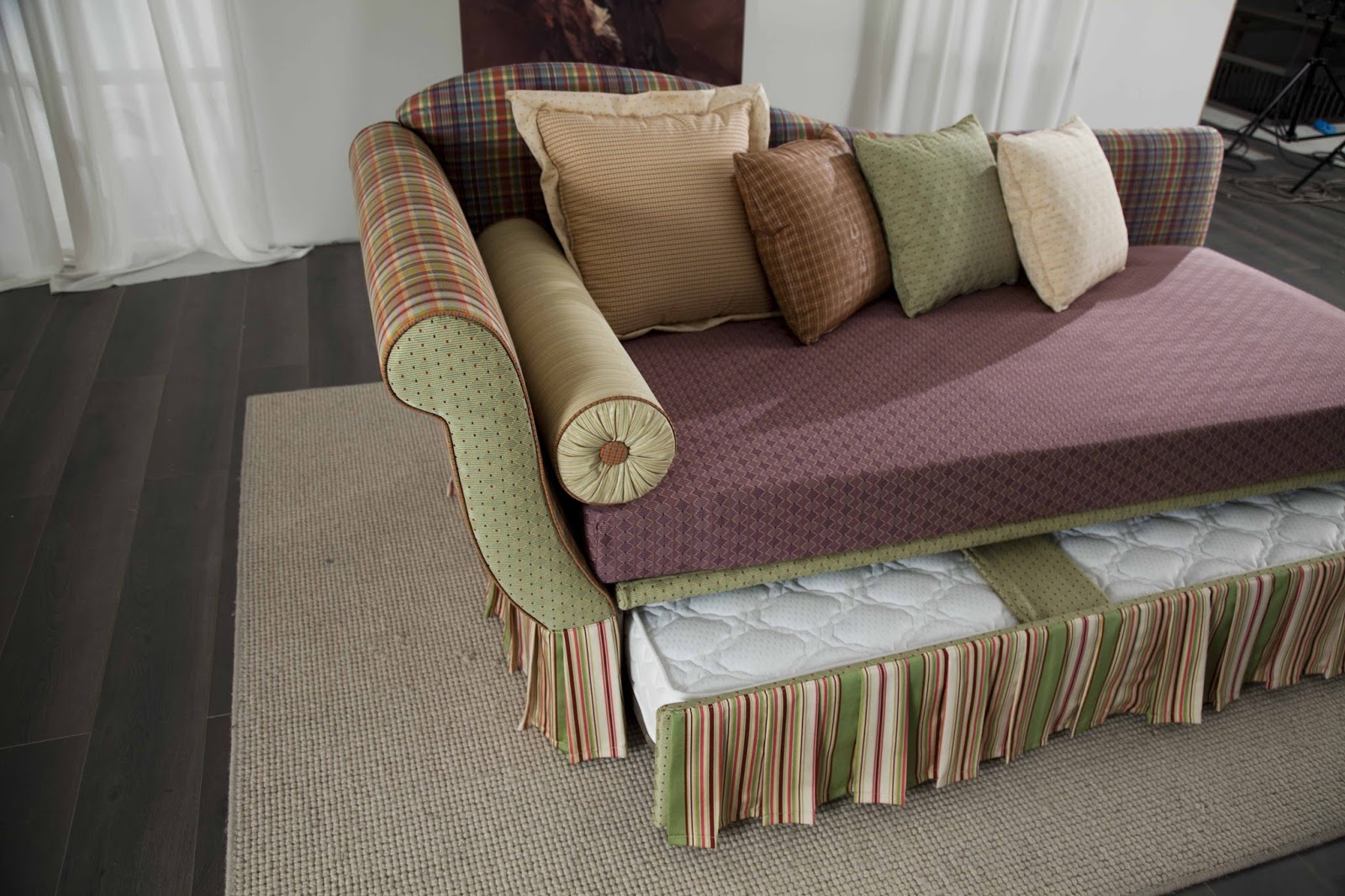 Santambrogio Salotti: produzione e vendita di divani e letti, anche ...