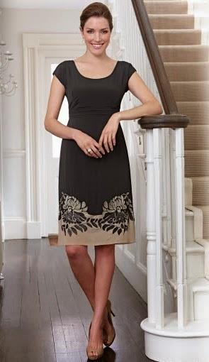 ab69072d1428 Toksnygga klänningar och kläder finns hos den engelska webbutiken  bravissimo.com. (Det är där jag har lånat bilderna.) Man väljer storlek  efter sina vanliga ...