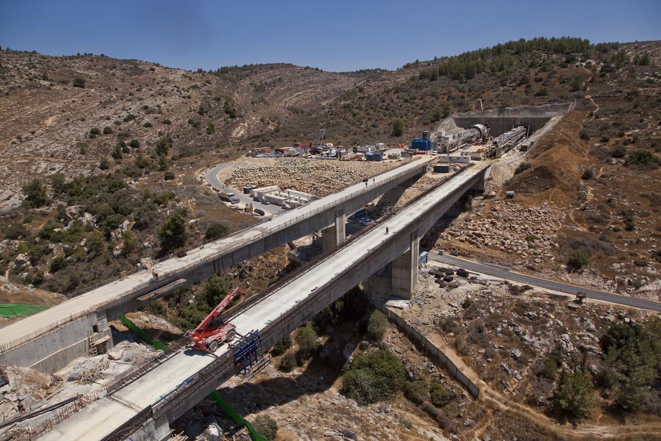 Márciusban indul a villamos gyorsvasút a Tel Aviv-Jeruzsálem vonalon